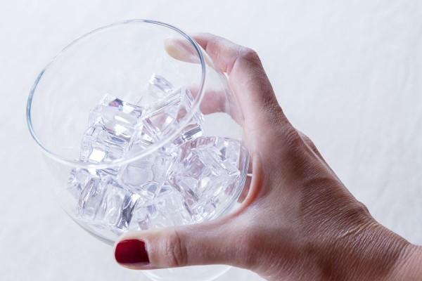 Fotos detalladas de la preparación de un Gin Tonic - paso 5